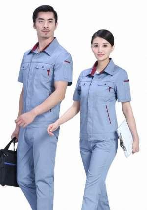工地安装工人应穿什么颜色的工作服?